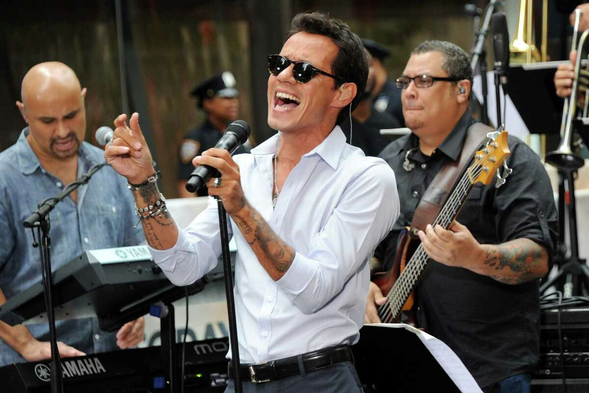 Marc Anthony delivers the goods to his fans with