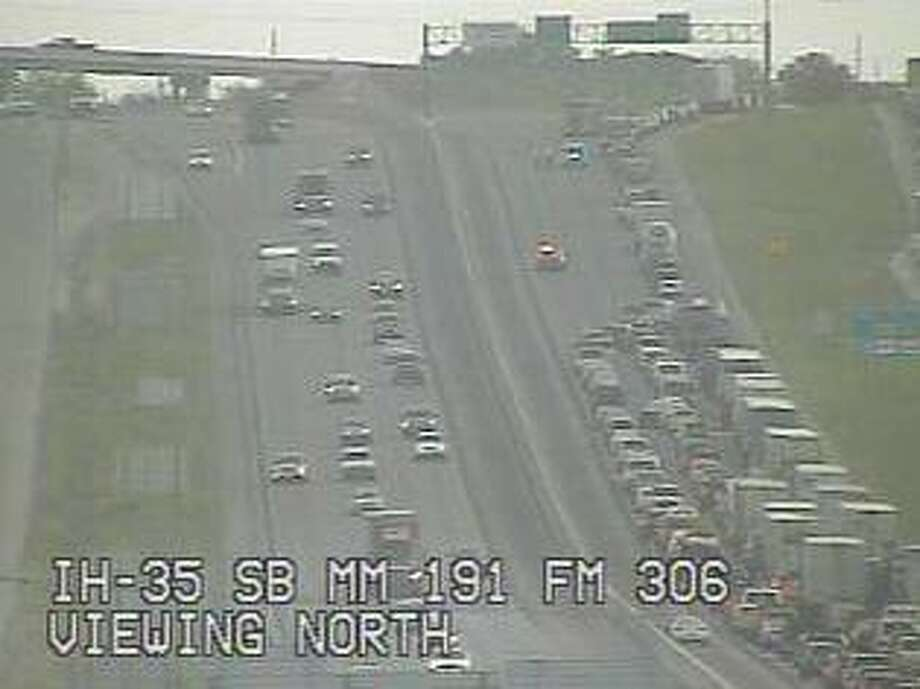 Traffic was diverted from northbound I-35 north of New Braunfels. Photo: Courtesy Transguide