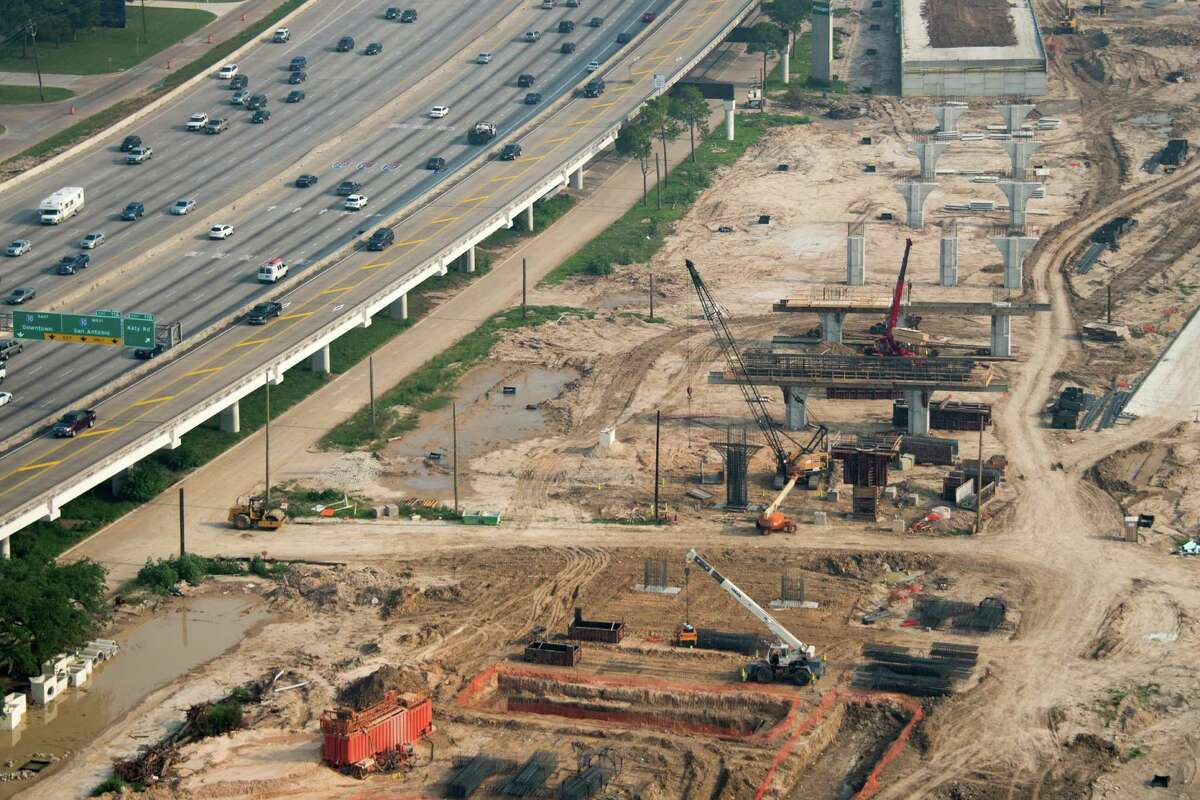 Construction at interchange of 610 Loop and Highway 290 on Friday, May 17, 2013, in Houston. ( Smiley N. Pool / Houston Chronicle )
