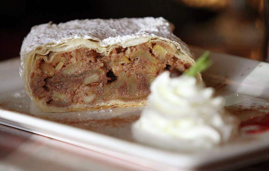 The apple strudel from Speisen on Tuesday, Aug. 6, 2013. Photo: Kin Man Hui, San Antonio Express-News / ©2013 San Antonio Express-News