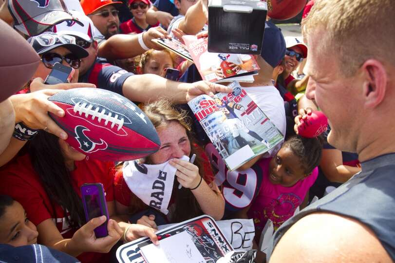 Fan Katie Kaulfold reacts as she meets J.J. Watt.