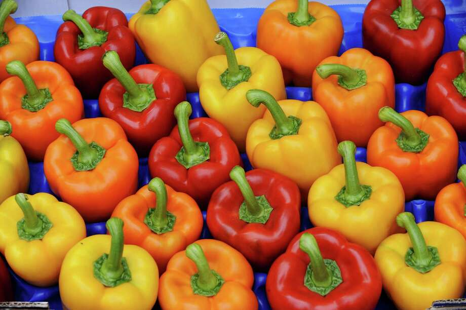 Bell peppers (Getty Images) Photo: DAVID HECKER / DDP