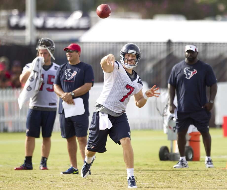 Quarterback Case Keenum throws a pass. Photo: Brett Coomer, Chronicle