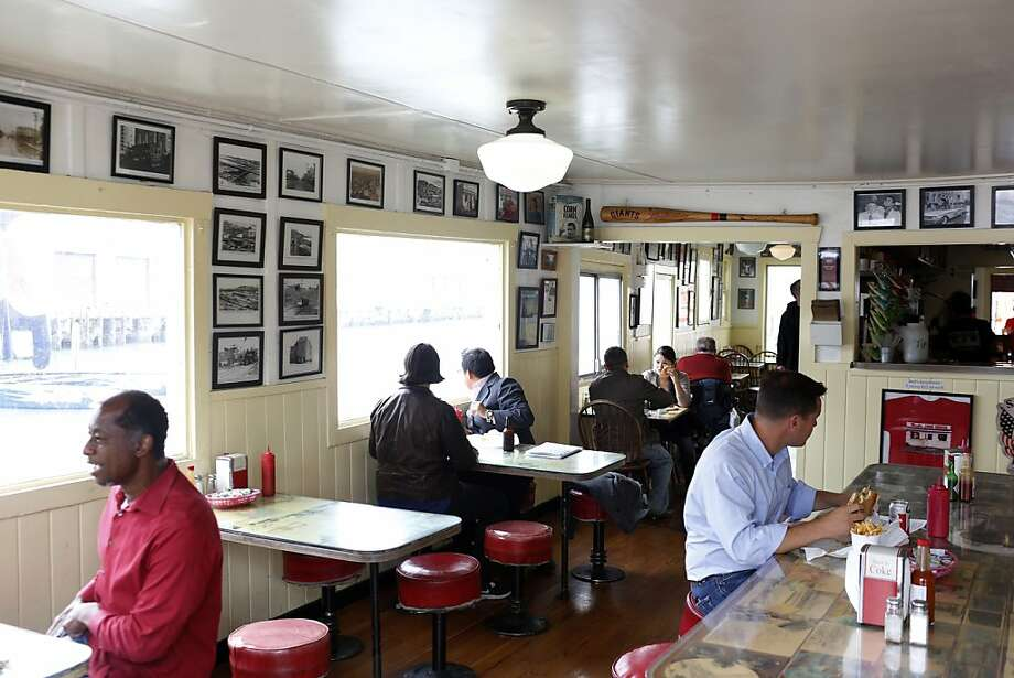 Chartres House Cafe History