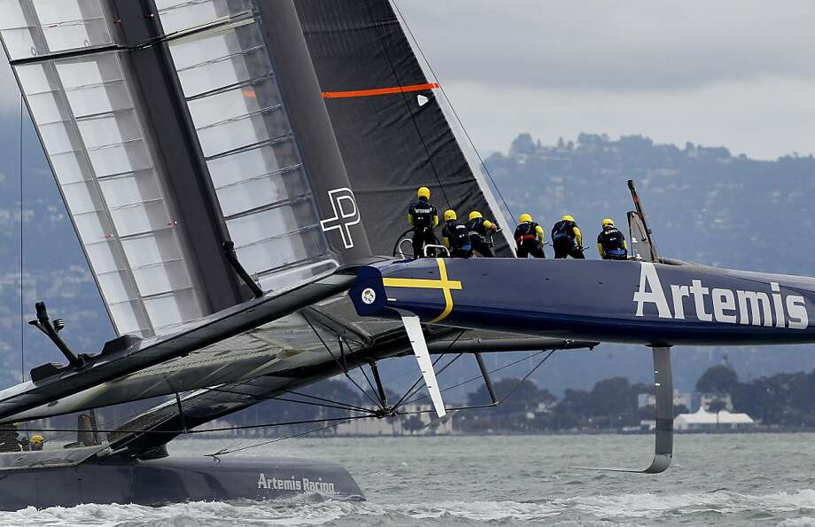 Artemis Racing lost the lead at the first mark and soon fell far behind Luna Rossa Challenge to drop to a 2-0 deficit in the Louis Vuitton Cup semifinals. Photo: Brant Ward, The Chronicle