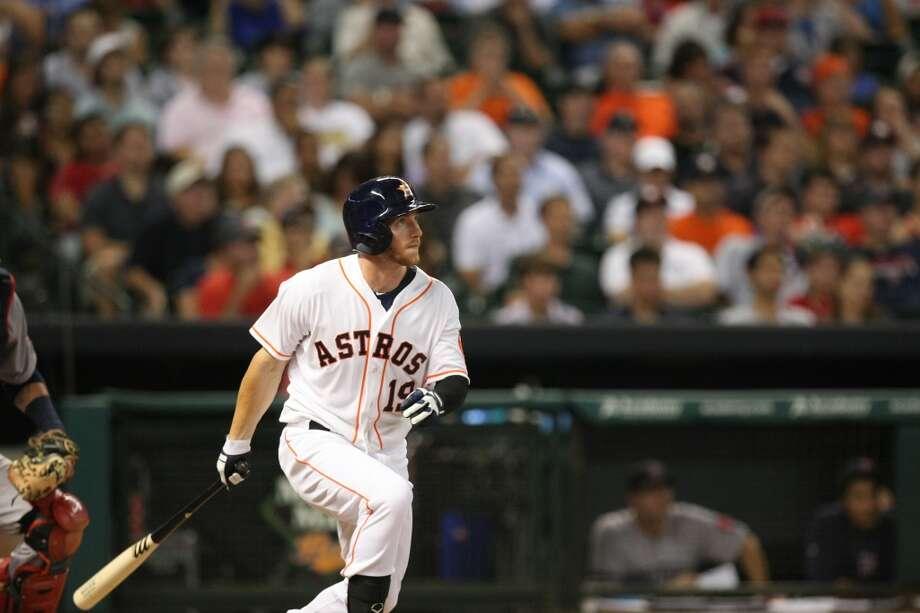 Astros center fielder Robbie Grossman hits a two-run home run. Photo: Johnny Hanson, Houston Chronicle