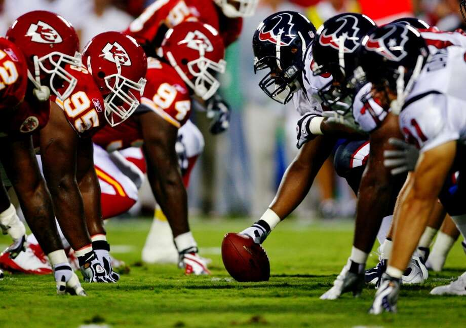 2009  Aug. 15: Texans 16, Chiefs 10  Houston scored the majority of its points in the first half but managed to get the best of the Chiefs. Photo: Dilip Vishwanat, Getty Images