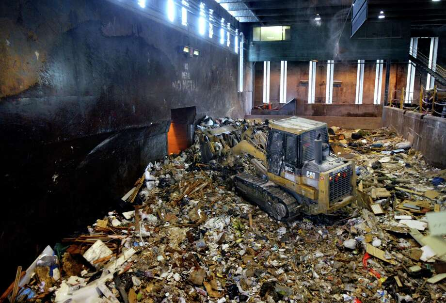 """When the current facility was built over 50 years ago, the city processed all solid waste as garbage, which ended up in landfills,"" Seattle Public Utilities said in a project writeup. Photo: ANDY ROGERS, SEATTLE POST-INTELLIGENCER / Seattle Post-Intelligencer"
