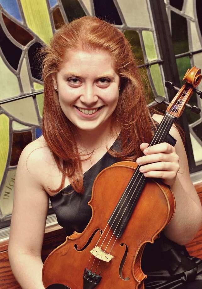 Erica Schwartz, violist