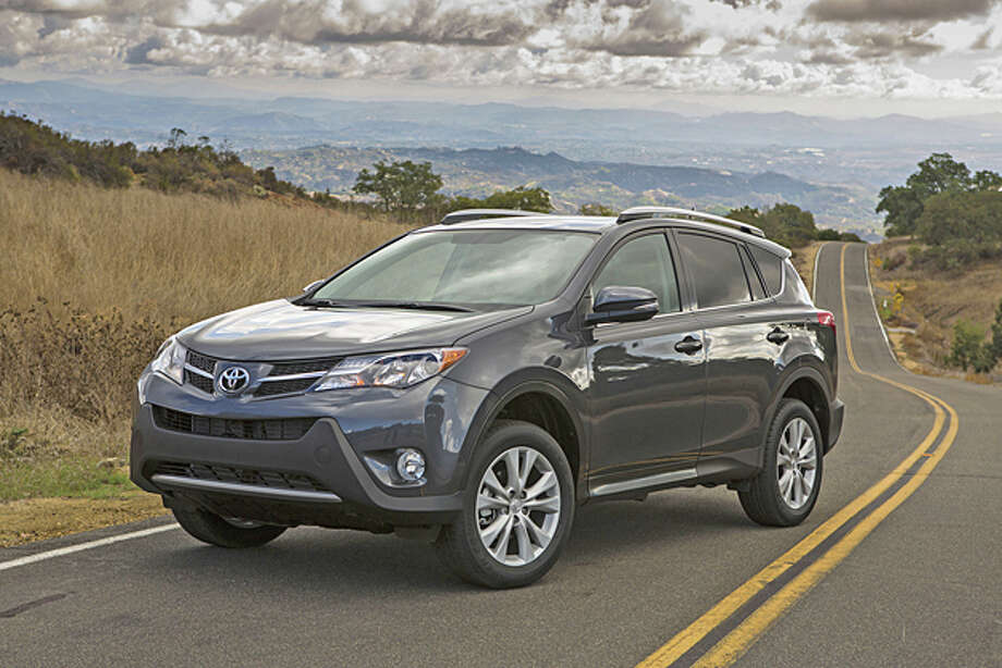 2013 Toyota RAV4 (photo courtesy Toyota) / Dewhurst Photography
