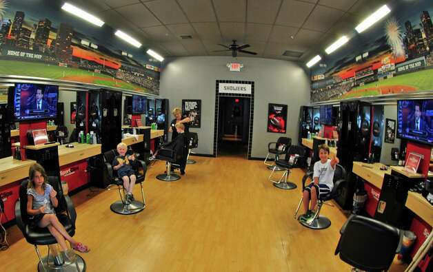 Join Sport Clips, one of the nation's fastest-growing business opportunities. No industry experience needed to join our hair care franchise opportunity!
