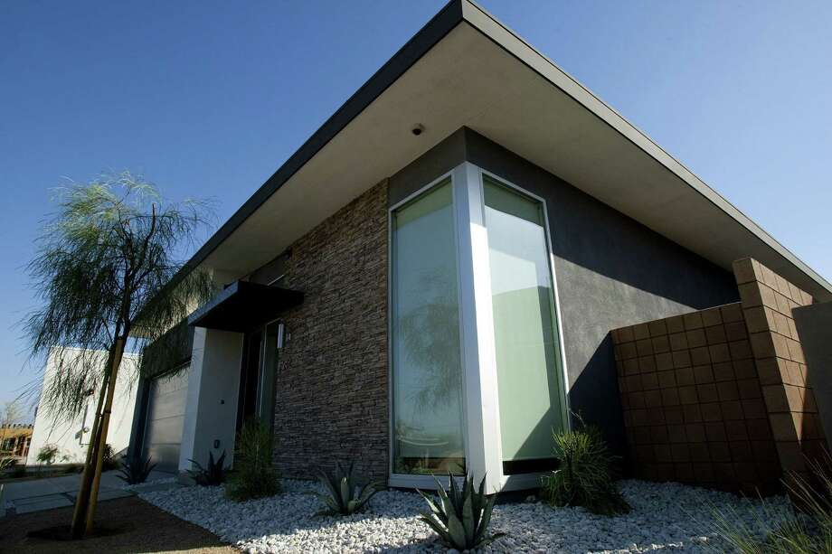 Escena is a new Palm Springs development of modern tract homes. Photo: Gina Ferazzi / Los Angeles Times