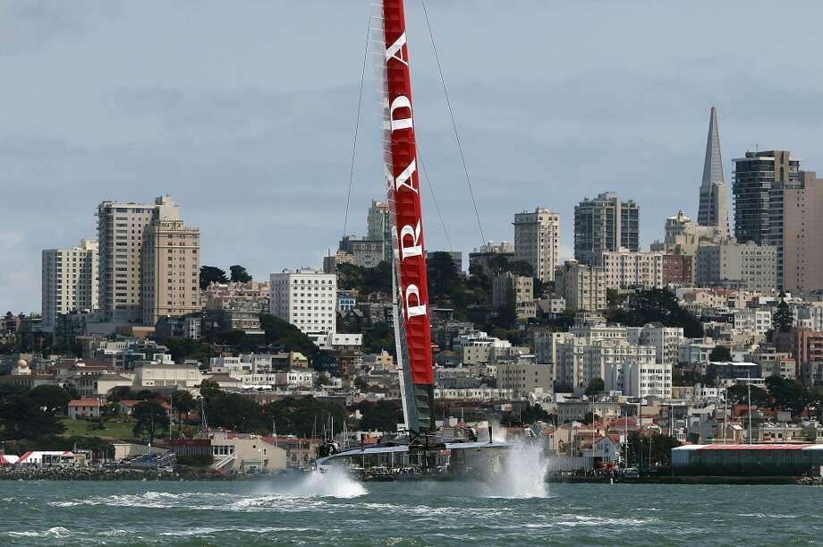 Team Luna Rossa during race three of the Louis Vuitton Cup semi final on August 9, 2013 in San Francisco, California. Photo: Justin Sullivan, Getty Images