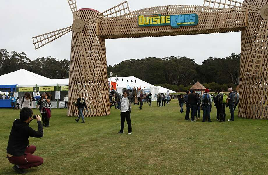 Outside Lands Festival goers take photos at Golden Gate Park in San Francisco, Calif. on Friday, August 9, 2013. Photo: Katie Meek, The Chronicle