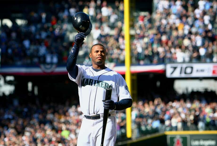 Griffey tips his helmet to the thousands of screaming fans at Safeco Field on April 14, 2009.