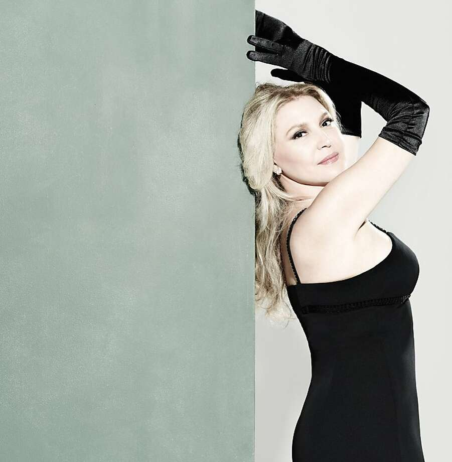 Brazilian musician Eliane Elias was inspired by Frank Sinatra, Chet Baker and Elis Regina. Photo: Bob Wolfenson