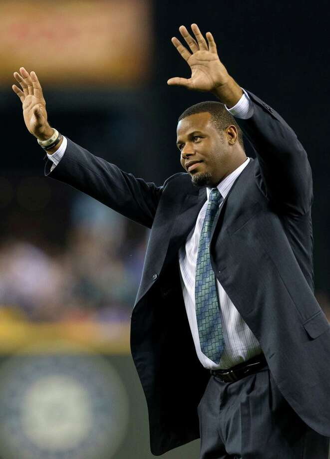 Griffey acknowledges the crowd. Photo: JORDAN STEAD, SEATTLEPI.COM / SEATTLEPI.COM