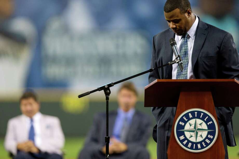 Griffey gathers himself while speaking. Photo: JORDAN STEAD, SEATTLEPI.COM / SEATTLEPI.COM