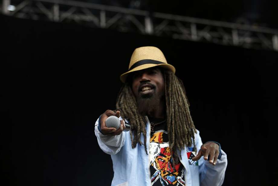 Dante Givens of Jurassic 5 performs at the Outside Lands Festival on Saturday. Photo: Katie Meek, The Chronicle