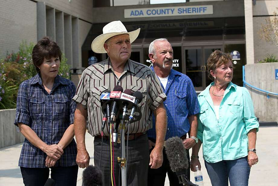 Mary Young (left), Mike Young, Mark John and Christa John tell of encounters with a kidnap suspect. Photo: Nelvin C. Cepeda, Associated Press