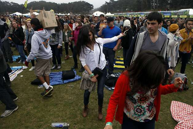 Fans dance during the Vampire Weekend performance at the Outside Lands Festival in San Francisco, Calif. on Sunday, August 11, 2013. Photo: Katie Meek, The Chronicle
