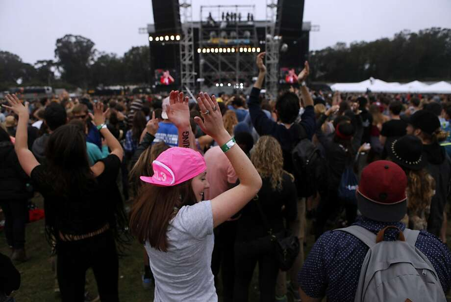 Fans enjoy the Vampire Weekend performance at the Outside Lands Festival in San Francisco, Calif. on Sunday, August 11, 2013. Photo: Katie Meek, The Chronicle