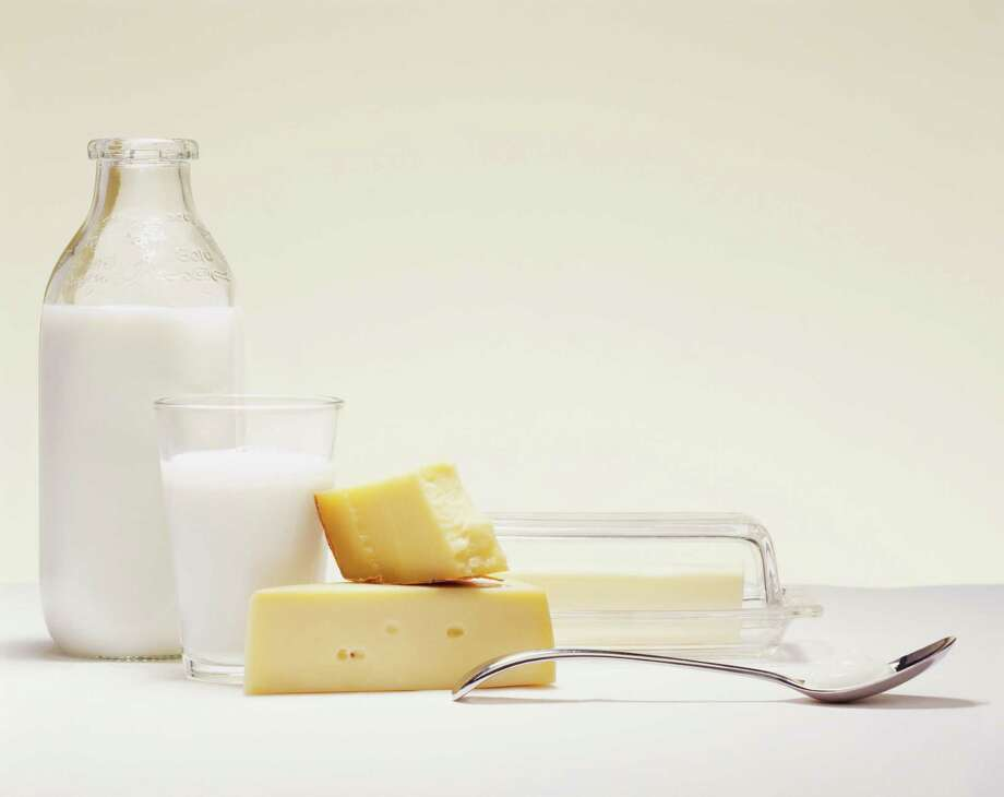 #4: DairyAvoid unpasteurized milk, which can transmit serious infectious diseases. Especially at risk: those with weakened immune systems, pregnant women, young children, and the elderly. Photo: Digital Vision., Getty Images / (c) Digital Vision.
