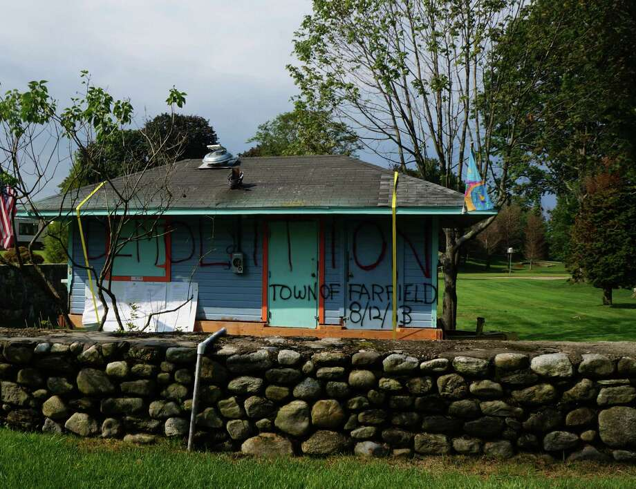 The former Southport concession stand now sits in a front yard on Beachside Avenue in Westport. Photo: Genevieve Reilly / Fairfield Citizen