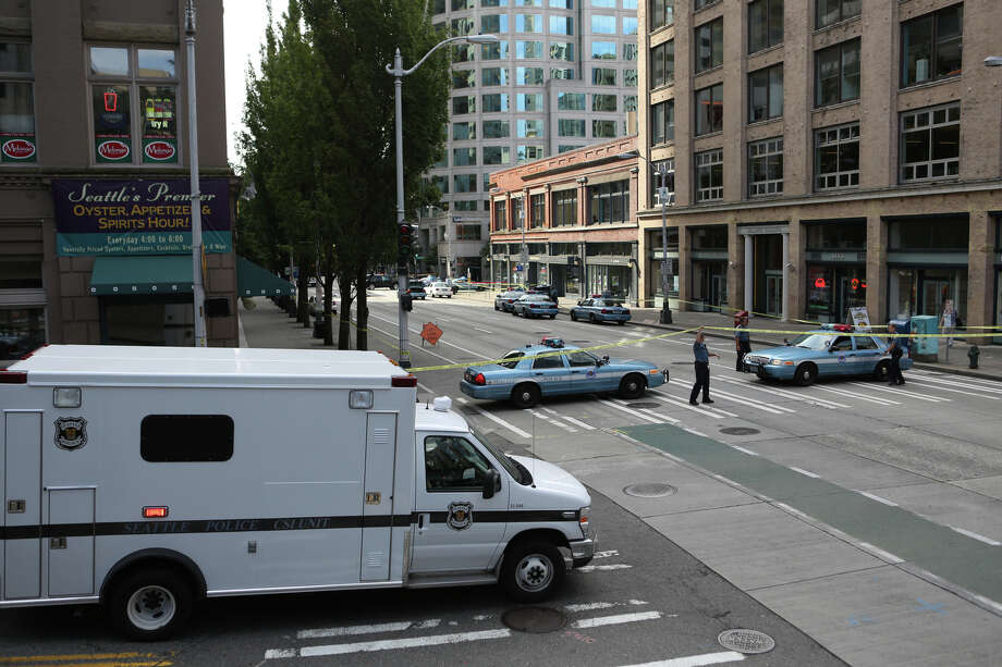 The shootings closed this normally busy section of Second Avenue.  Photo: JOSHUA TRUJILLO, SEATTLEPI.COM / SEATTLEPI.COM