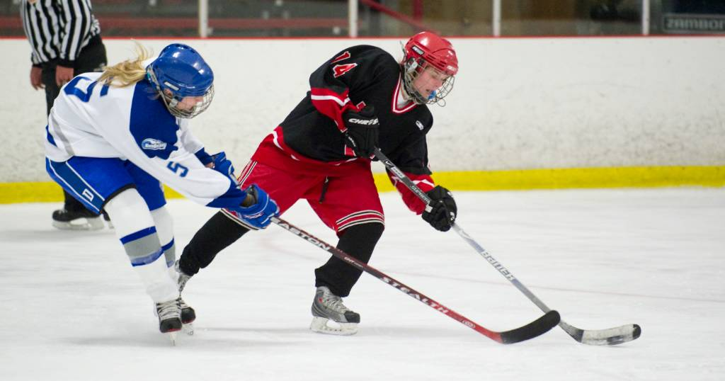 New Canaan Girls Nip Darien In Hockey In Ot Stamfordadvocate