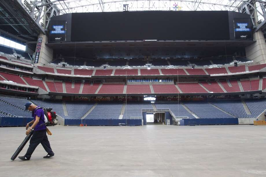Reliant Stadium Photo: Brett Coomer, Houston Chronicle