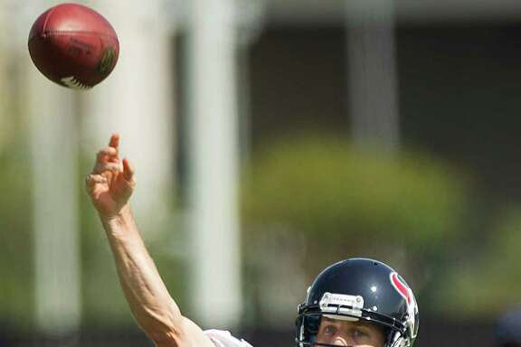 Texans quarterbacks T.J. Yates (13) and Case Keenum (7) played well in the preseason-opening victory.