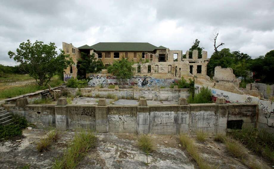 The Hot Wells Resort was once the crown jewel of San Antonio's South Side. Its sulfurous baths brought the toast of Hollywood and high society — including Charlie Chaplin and Teddy Roosevelt — to the city for luxurious getaways. Photo: Helen L. Montoya, San Antonio Express-News / ©2013 San Antonio Express-News