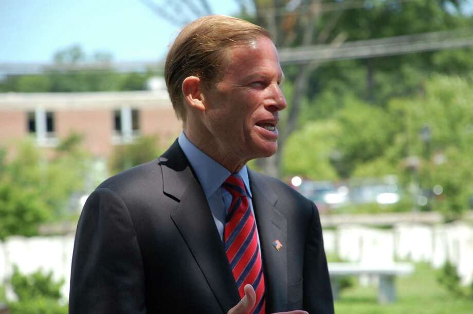 Sen. Blumenthal shares his thoughts at the Spirit of '45 ceremony Sunday. Photo: Jarret Liotta / Freelance Photo / Stamford Advocate