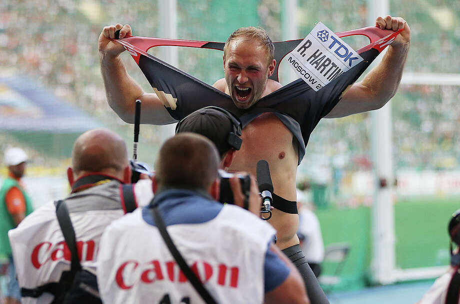 Robert Harting of Germany celebrates victory in the Men's Discus during Day Four of the 14th IAAF World Athletics Championships Moscow 2013 at Luzhniki Stadium on August 13, 2013 in Moscow. Photo: Ian MacNicol, Getty Images / 2013 Ian MacNicol