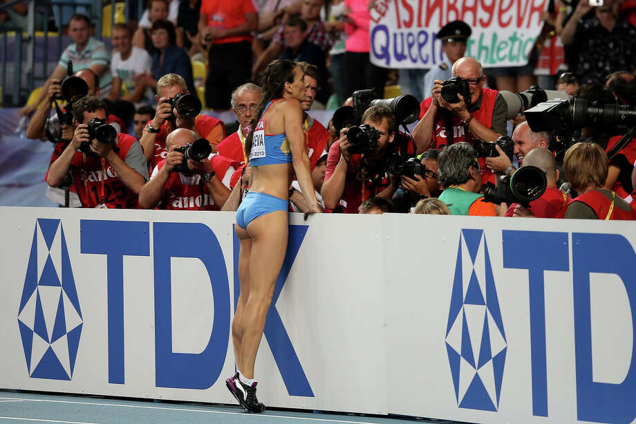 Elena Isinbaeva of Russia celebrates winning gold in the Women's pole vault final during Day Four of the 14th IAAF World Athletics Championships Moscow 2013 at Luzhniki Stadium on August 13, 2013 in Moscow. Photo: Christian Petersen, Getty Images / 2013 Getty Images