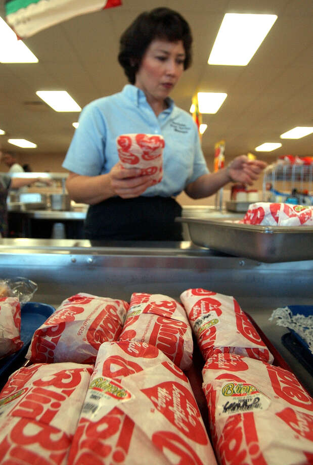 BlimpieFreebie: A free regular sub after you purchase a regular sub and drink with this coupon. Photo: William Luther, San Antonio Express-News / SAN ANTONIO EXPRESS-NEWS
