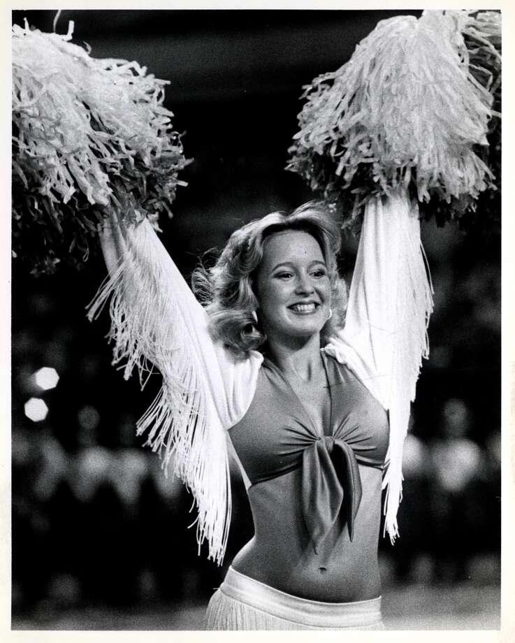 Derrick Dolls - Houston Oilers cheerleader  (no date) Photo: Sam C. Pierson, Houston Chronicle
