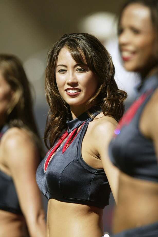 Houston Texans cheerleaders in  2003. Photo: Ronald Martinez, Getty Images