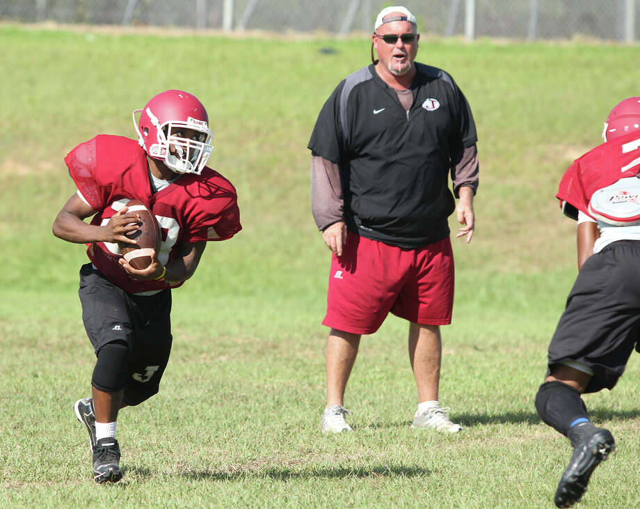 Jasper players run drills and plays during practice on Tuesday. Jason Dunn/Jasper Newsboy