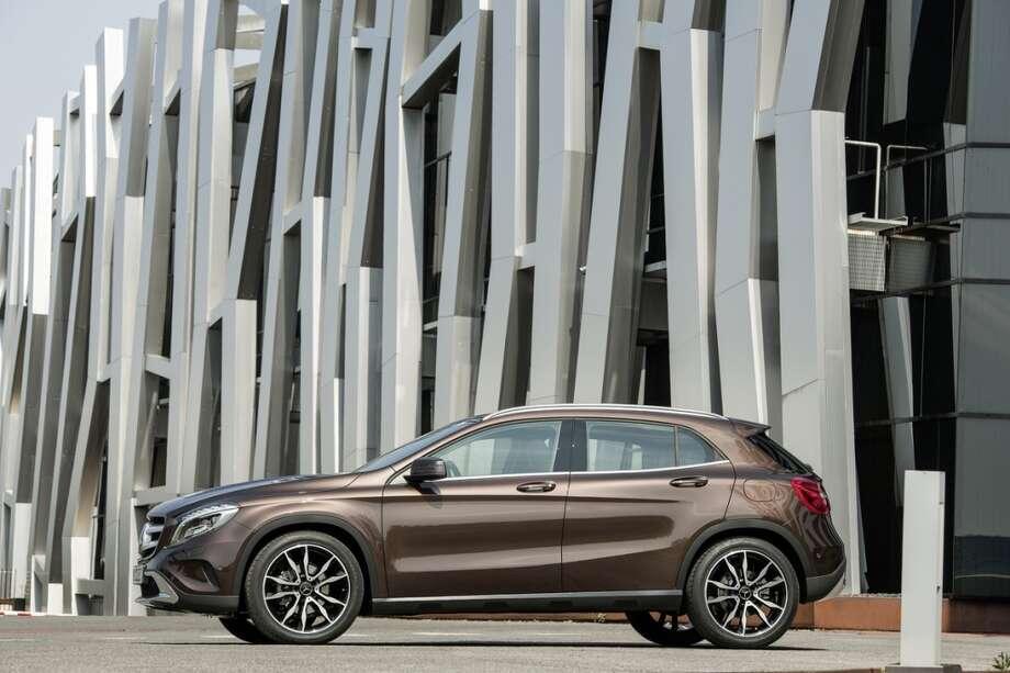 2015 Mercedes-Benz GLA-Class. Photo: Mercedes-Benz, Wieck