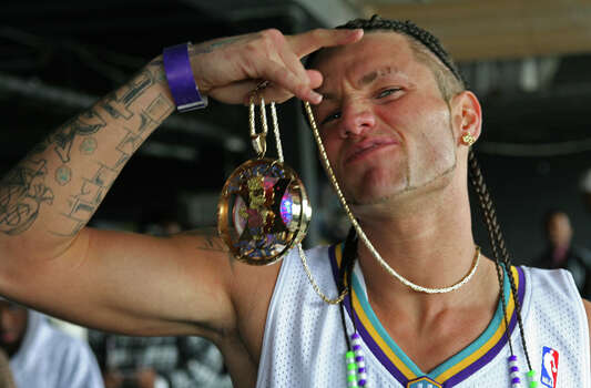 Riff RaffWhat you need: Dreadlocks, gold necklaces and a sleeveless shirtOptional: A Katy Perry look-alike as arm candy  Photo: Mark C. Austin, For The Chronicle / Freelance