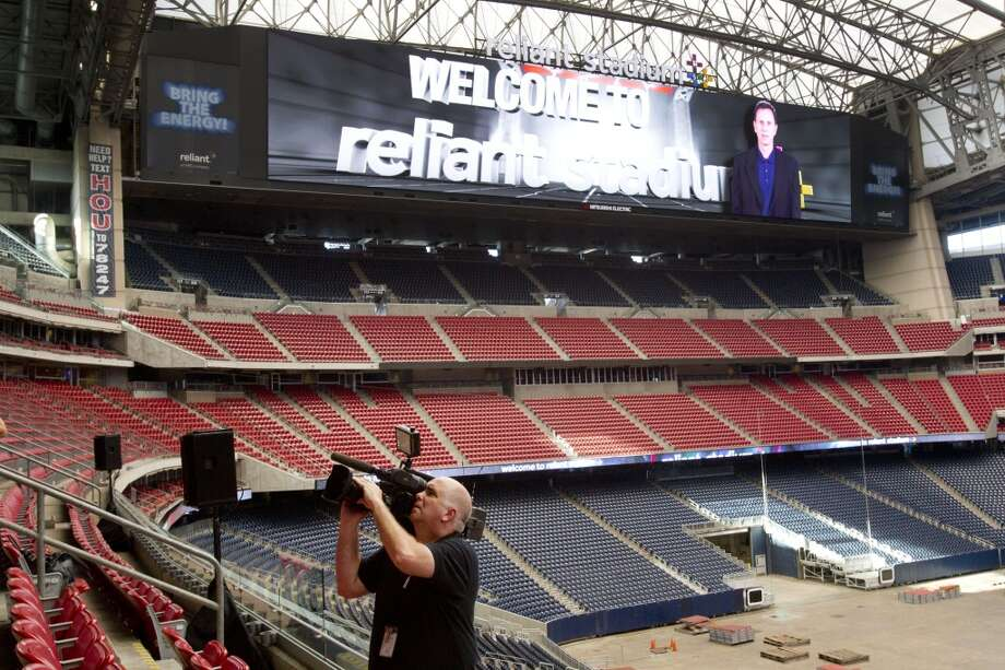 Reliant StadiumThe new HD video boards are turned on during a ceremony at Reliant Stadium. Photo: Brett Coomer, Houston Chronicle
