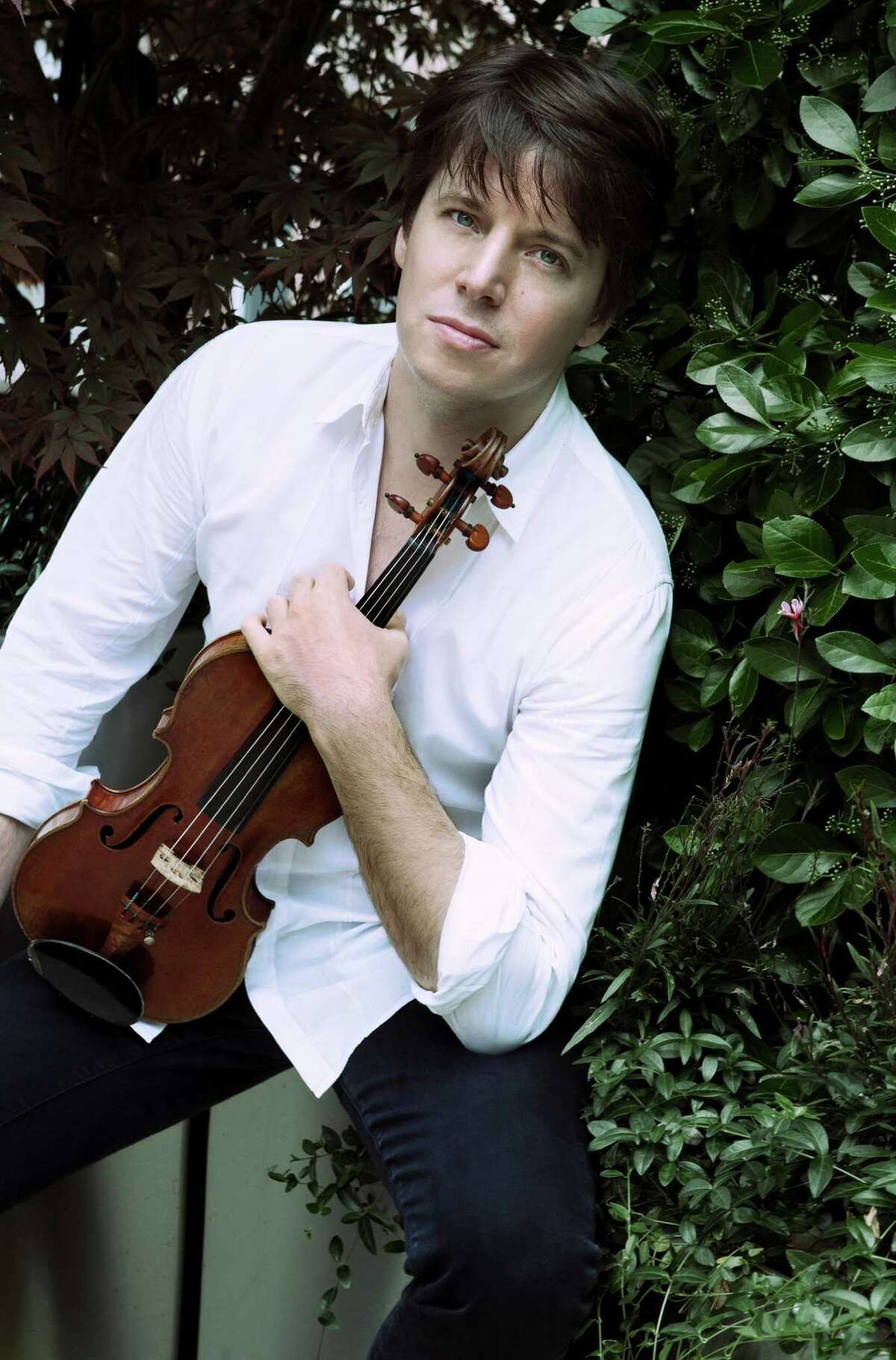 Joshua Bell will perform with the Houston Symphony at Jones Hall.
