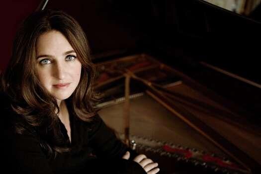 Pianist Simone Dinnerstein will play a recital for Da Camera Houston in February 2014. Photo: Lisa Marie Mazzucco