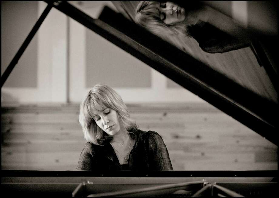 Ingrid Fliter will play Mozart's Piano Concerto No. 23 with the Houston Symphony. Photo: Sussie Ahlburg