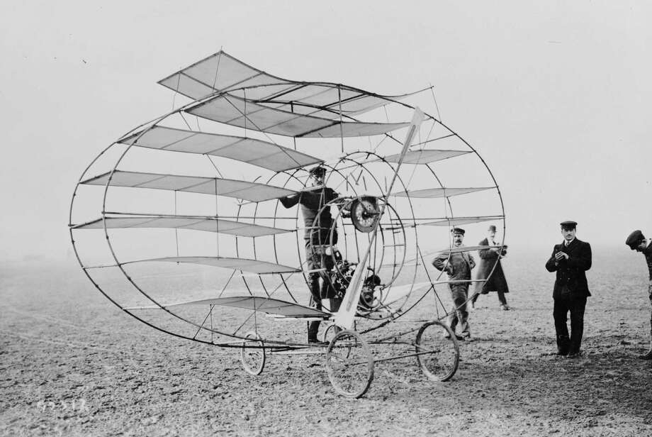 The Marquis d'Ecquevilly with his multiplane (designed after Chinese lanterns) at Arles. Original Publication: Aeroplane Album - Vol 2 Page 1 (Photo by Hulton Archive/Getty Images) Photo: Hulton Archive, Multiple / 2010 Getty Images