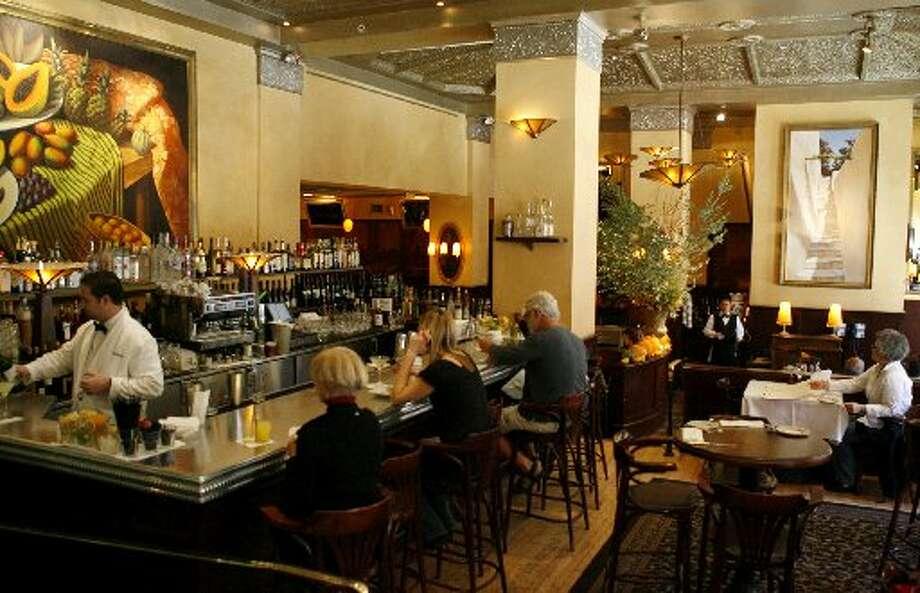 The bar at Scala's Bistro Photo: Paul Chinn, The San Francisco Chronicle 2009
