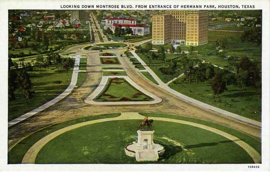 HOUSTON - 1918:  Vintage postcard showing the view down Montrose Boulevard from the entrance to Hermann Park . (Photo by Lake County Museum/Getty Images) Photo: Curt Teich Postcard Archives, Getty Images / Archive Photos