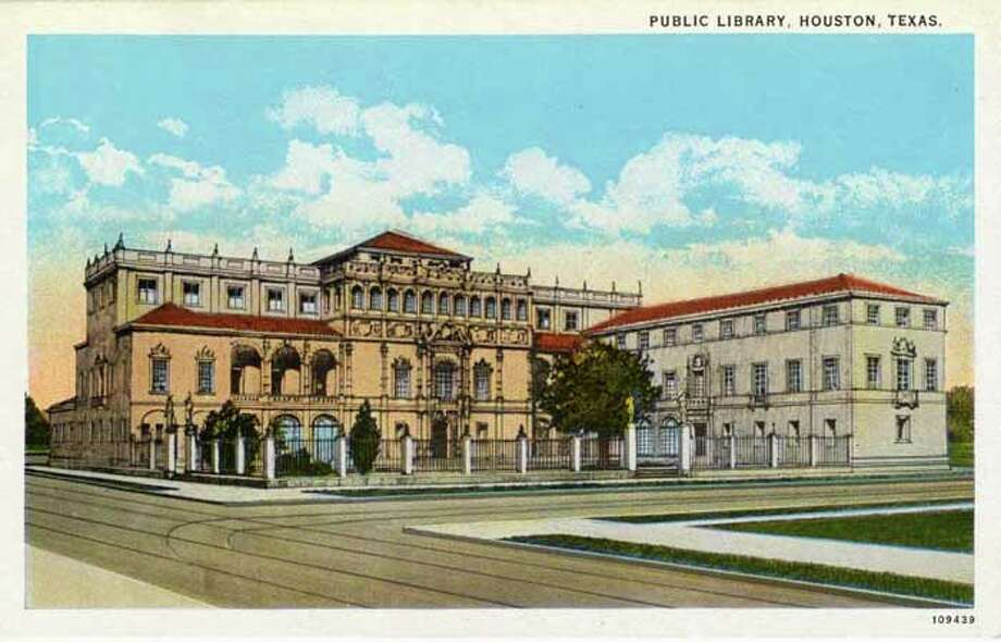 HOUSTON - 1926:  Vintage postcard showing the exterior of the Houston Public Library and the surrounding area. (Photo by Lake County Museum/Getty Images) Photo: Curt Teich Postcard Archives, Getty Images / Archive Photos